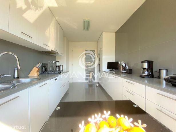 Apartamento T4 Venda em Mafamude e Vilar do Paraíso,Vila Nova de Gaia