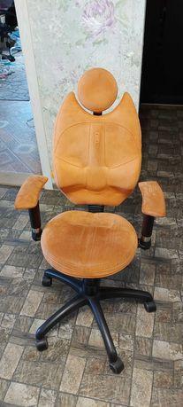 Продам Детское эргономичное кресло Kulik System TRIO