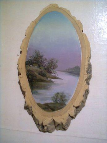 Картина на срезе дерева-пейзаж.