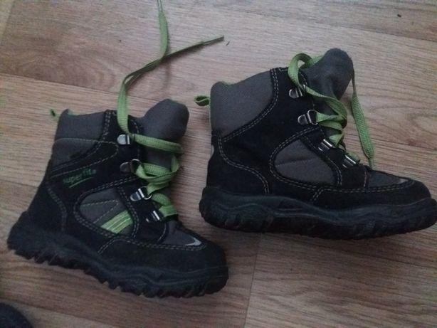 Ботинки весенние 24 размер