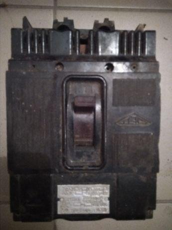 Продам автомат виключатель.