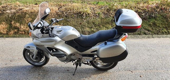 Honda Deauville 650 cm3 ano de 2003
