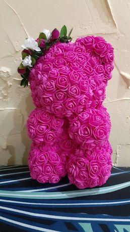 Мишка из роз.