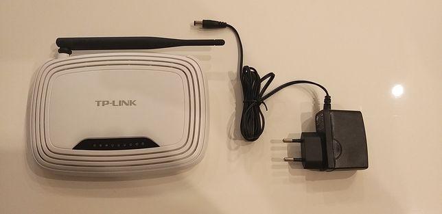 Router TP-LINK WR740N.