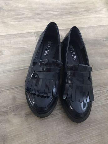 Женские туфли 38 размер(24.5см)