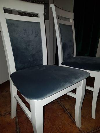 Nowe krzesła białe z grafitowym welurem Glamour modne