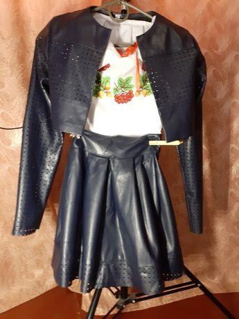 Классный костюм с экокожи