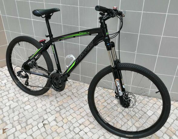 Bicicleta BTT impecável
