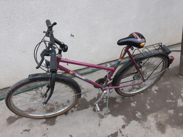 Продам ровер може бути для дорослих колеса 26.1.90 має багато передач