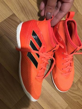 Футзалки , Футбольная обувь для зала Adidas