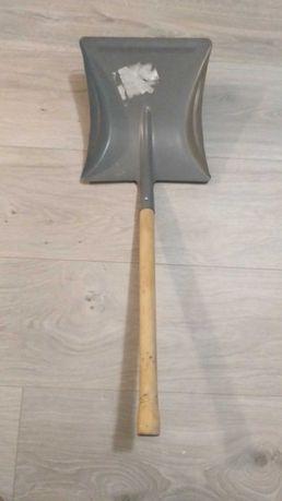 Лопатка для снега
