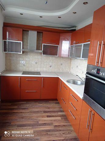 Продам 4х.комнатную квартиру на Холодной Горе!