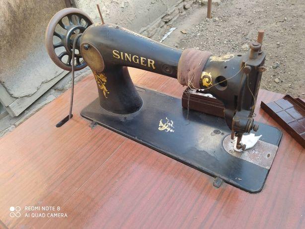 машина швейная Сингер