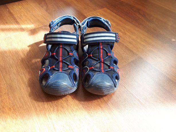 Продам сандали 28 размер