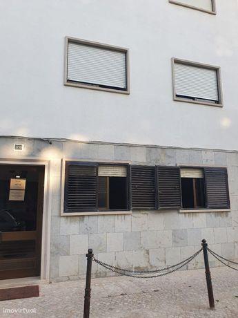 Apartamento T1+1 com garagem em Alverca
