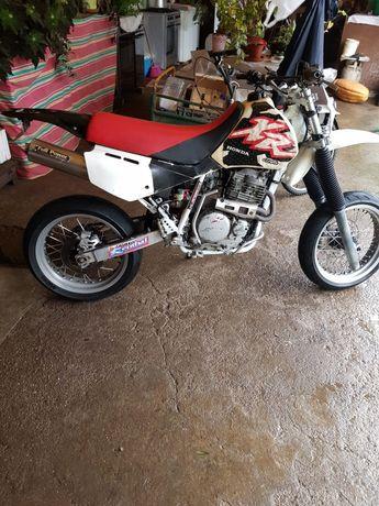 Vendo Xr 600 de 1994