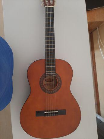 Guitarra stagg como nova