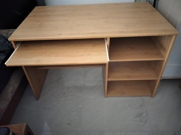 Sprzedam bardzo ładne biurko