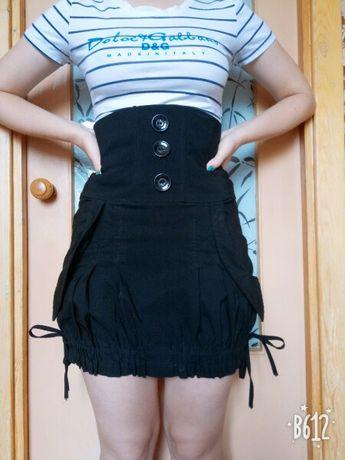 Оригинальная чёрная юбка с корсетом.