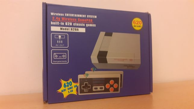 Klon konsoli NES Mini, chiński a'la Pegasus z biblioteką 620 gier.
