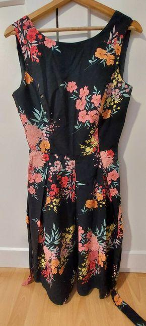 Sukienka F&F z motywem kwiatów, rozmiar 40