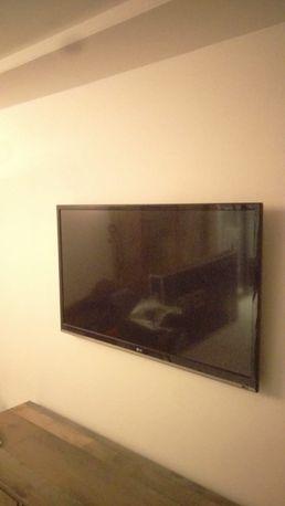 Telewizor LG 42 cale model 42ls5600 lcd full hd