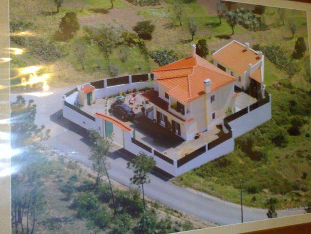 """QUINTINHA DO """"PEREIRO"""" com moradia T5 - Casa de Campo e terrenos"""