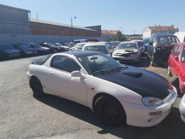 Mazda MX3 para péças