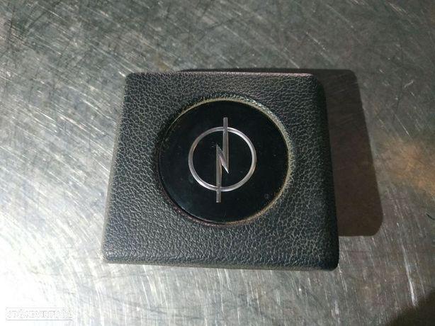 Tampa Do Volante Opel Kadett D (32_,37_,39, _42)