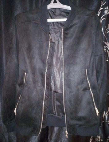 Чёрный бомбер куртка из искусственной замши