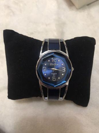 Продам женские красивые наручные часы