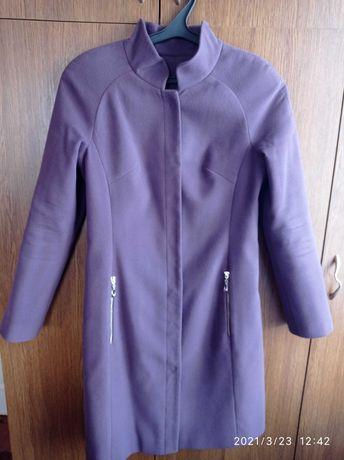 Продам женское пальто весна-осень 44-46р состояние нового