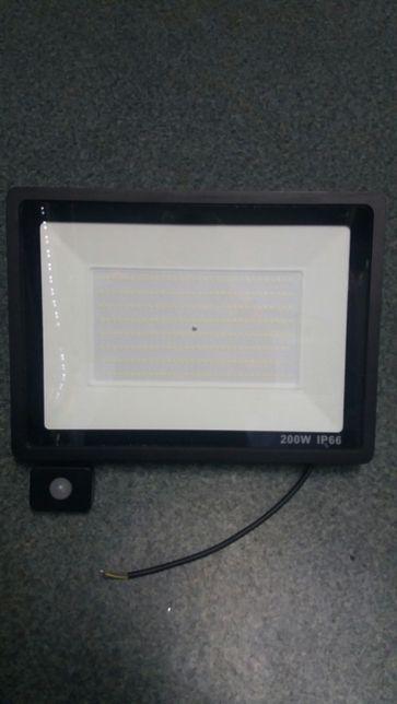 Lampa ledowa 200w w z czujnik ruchu.230v