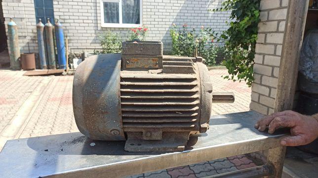 Электродвигатель 3.0 кВт 950 об/мин АИР112МА6УЗ