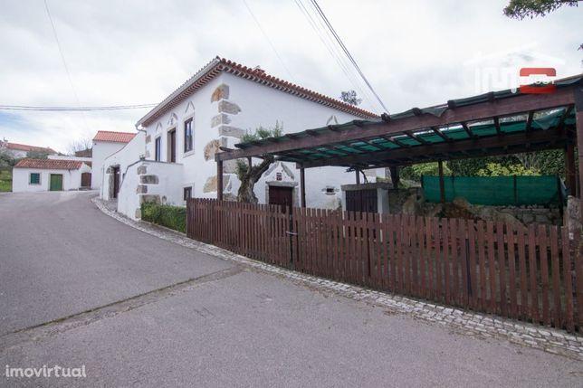 Moradia T3 Rústica, Alcaria