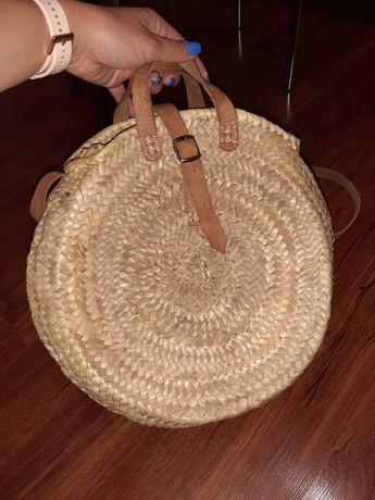 Соломенная круглая сумка на лето