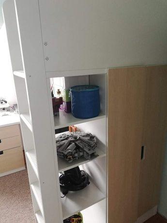 Łóżko piętrowe ikea z szafą i biurkiem