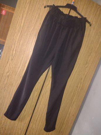 Oddam czarne spodnie typu alladynki