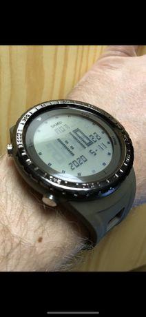 Часы Skmei с подсветкой.