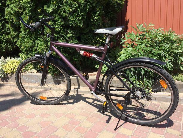 Велосипед горный колеса на 26 в отличном состоянии привезен