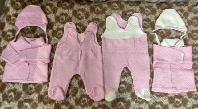 Комплект (шапочки,  кофточки,  ползунки) для новорождённого