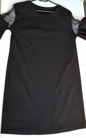 Czarna sukienka z ozdobnymi rękawami rozmiar L