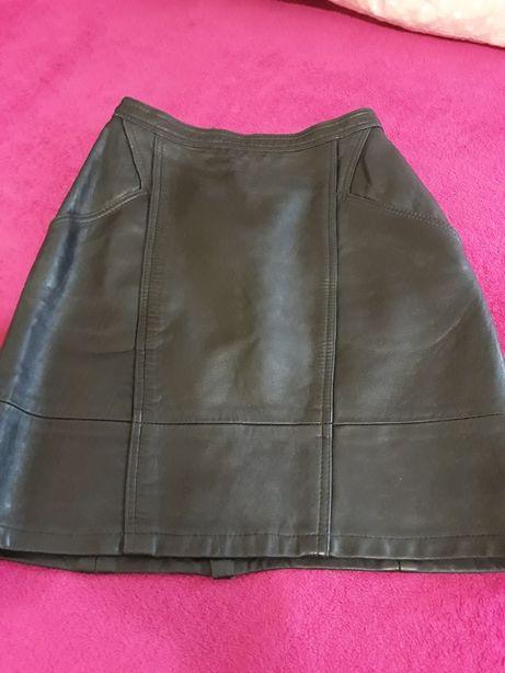 Кожаная юбка в идеальном состоянии+жилетка в Подарок!!