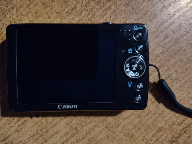 Aparat Canon + futerał + bateria z ładowarką