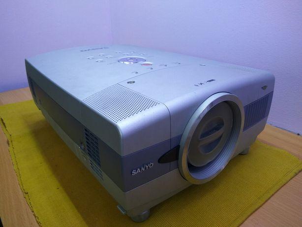 Проектор SANYO PLC-XT16