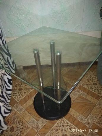 Стол стеклянный,подставка гранит.