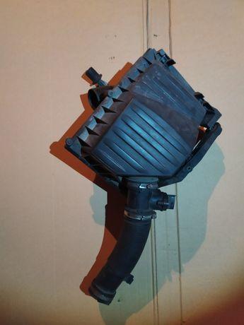 Obudowa filtra powietrza z przepływomierzem Opel Corsa C 1.0 1.2