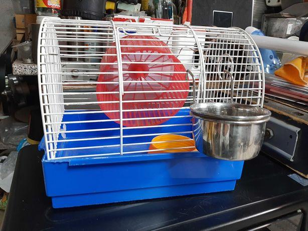 Gaiola para hamster   com labirinto e recipientes comida