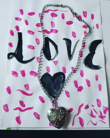Fio  cor prata com pendente coração -Love
