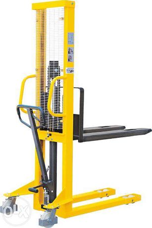 Porta-paletes / stacker / Monta-cargas manual c/ capacidade elev 1 ton